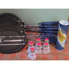 Badminton Set (10 racquets plus 6 shuttlecocks & 6 shuttleballs)